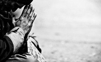 УЗНАЙ СКОЛЬКО ЧЕЛОВЕК ПОМОГУТ СЛЕПОМУ ?
