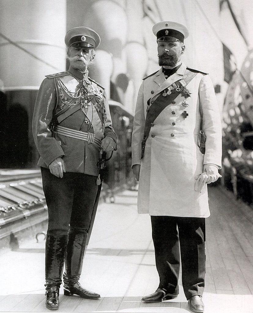 Ministr-Imperatorskogo-dvora-baron-V.B.Frederiks-i-predsedatel-Soveta-ministrov-P.A.Stolypin.-Finlyandiya-1910.
