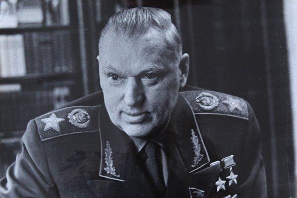 ВЕЛИКИЙ МАРШАЛ - КОНСТАНТИН РОКОССОВСКИЙ.