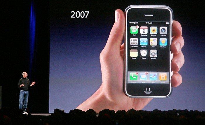 Джобс первый айфон