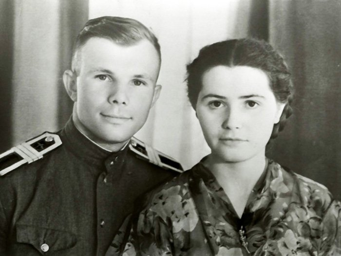 Гагарин с женой
