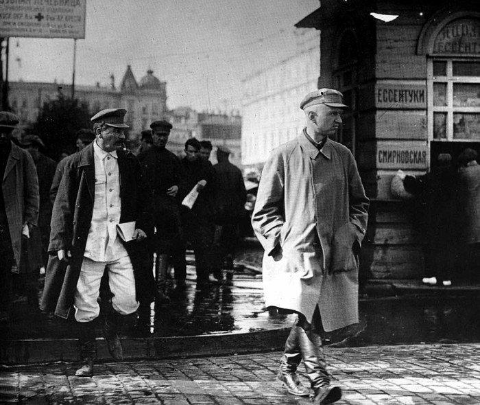 Сталин на улице москвы