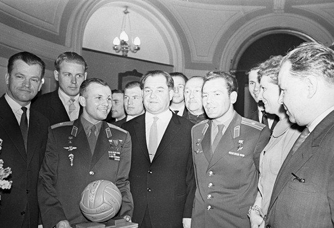 Встреча космонавтов Ю. А. Гагарина и Г. С. Титова со спортсменами