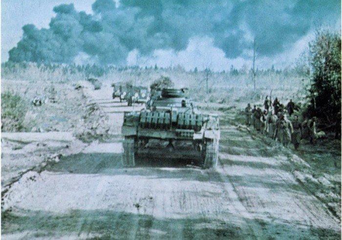 Колонна немецких танков