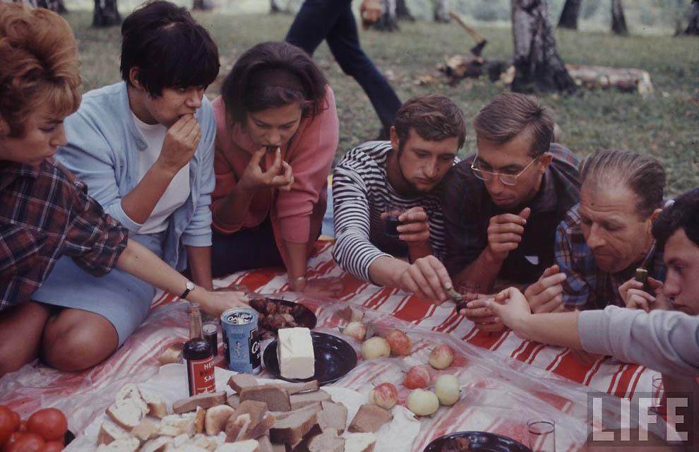 sovetskaia-molodeji