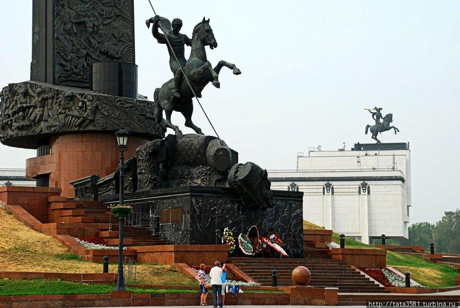 Памятники москвы известные во всем мире недорогие памятники фото победы