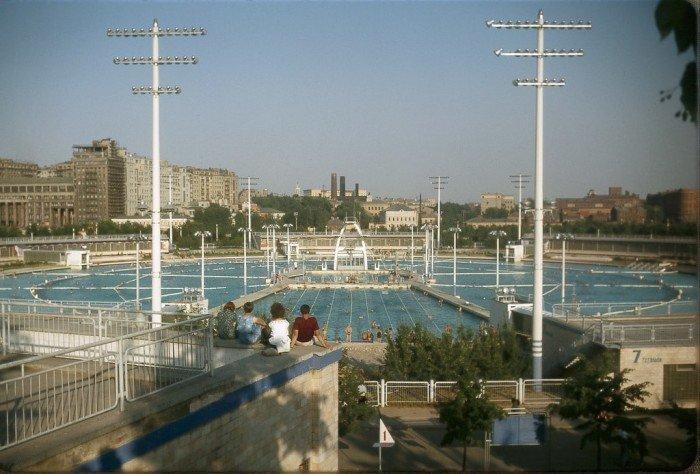 bassein-moskva-min