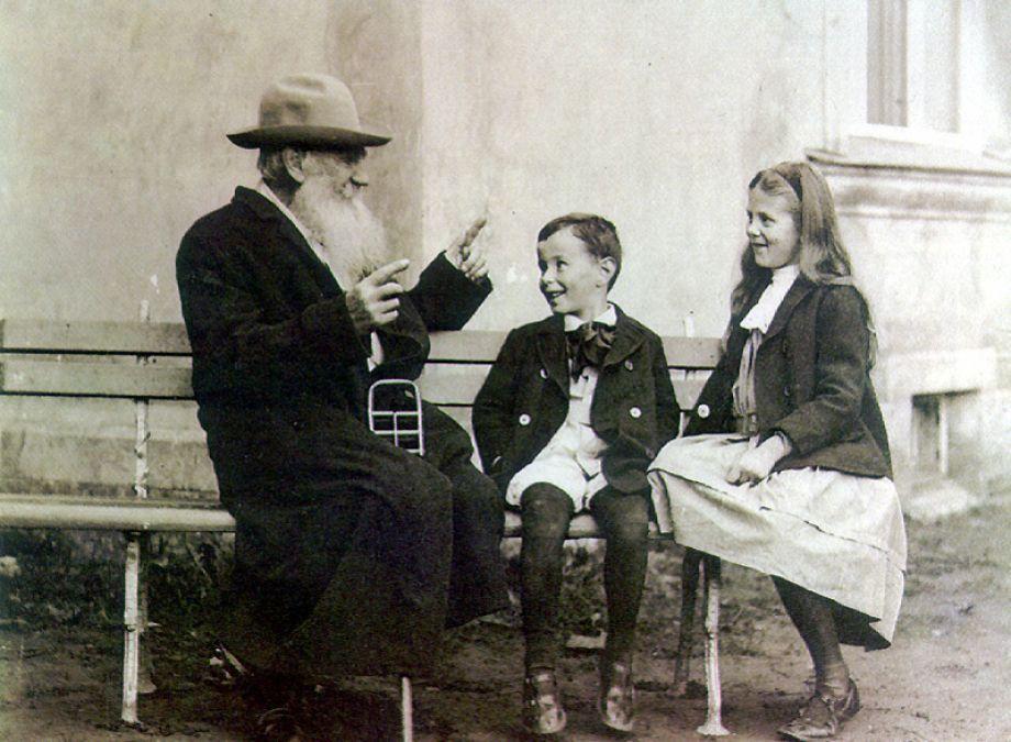 lev-tolstoi-i-vnuki