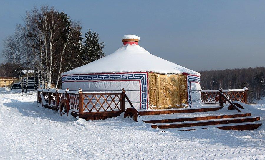 taltsy-mongolskaya-yurta-2
