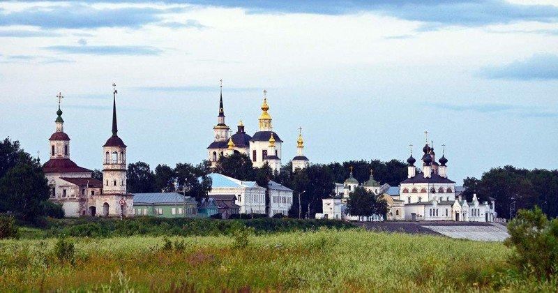 Naberezhnaya-reki-Suhona