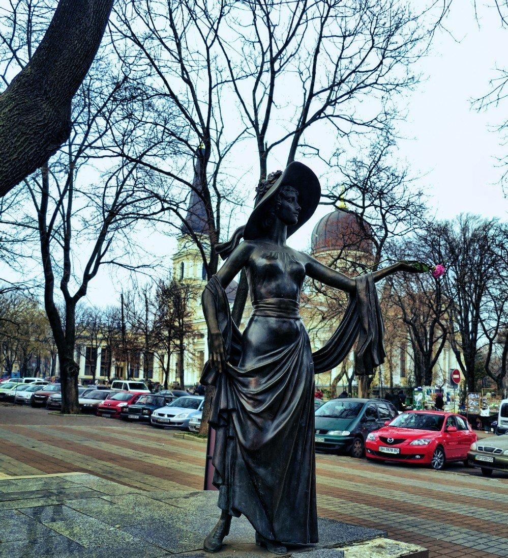 Pamyatnik-Vere-Holodnoj