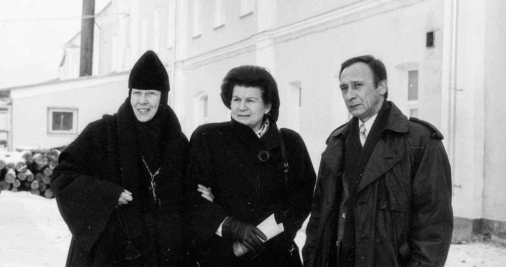 Pn-tereshkova-v-v-1999, Ярославль