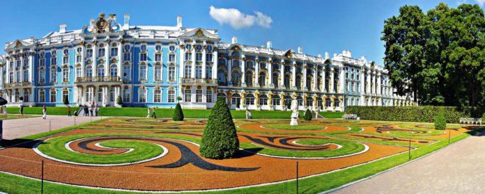 TSarskoe-selo-Ekaterininskij-dvorets