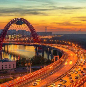 ZHivopisnyj-most-Moskva