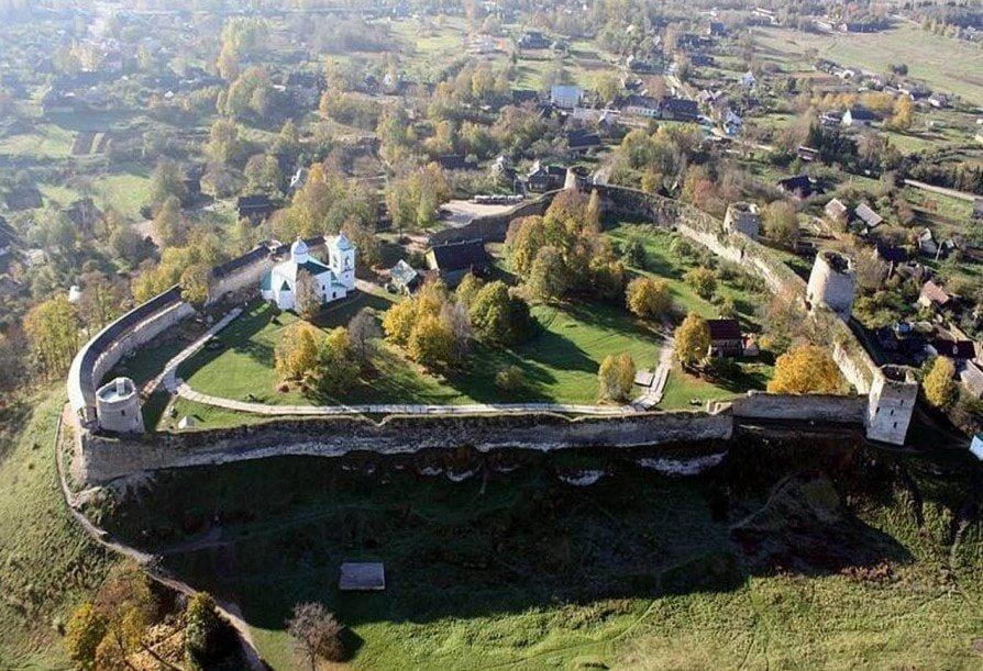 Pskovo-Pecherskij-monastyr
