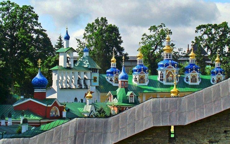 Pskovo-Pechorskij-monastyr