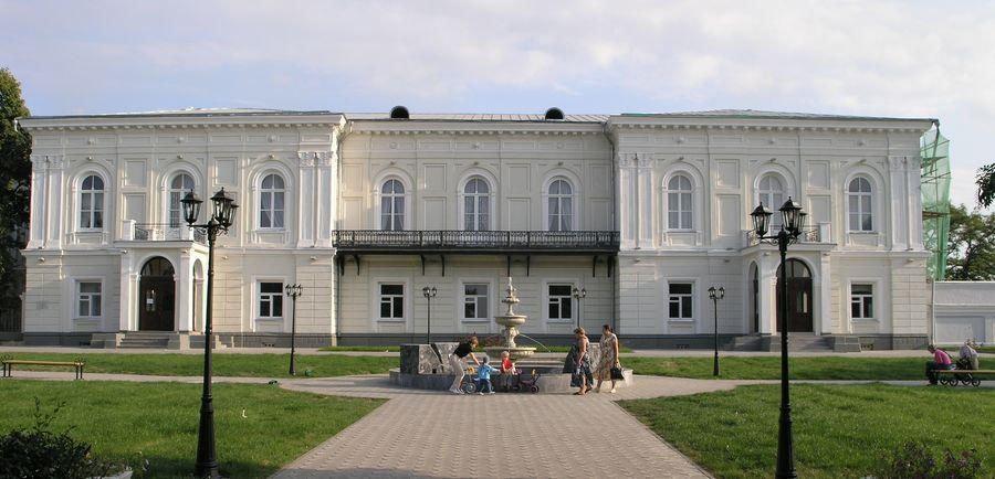 Atamanskij-dvorets-Starocherkasskaya