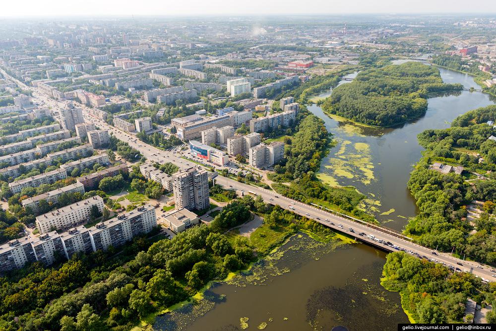 Leningradskij-most-soedinyaet-Ural-i-Sibir