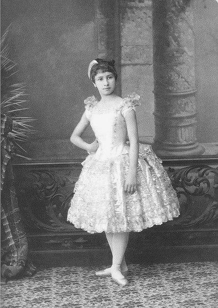 Matilda-Kshesinskaya-v-detstve