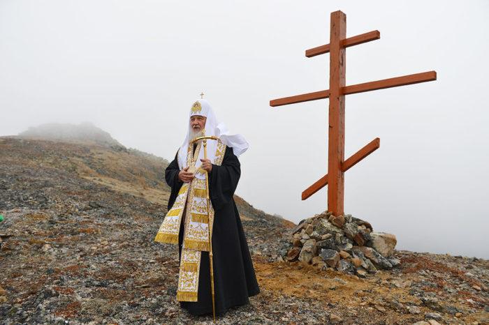Patriarh-Kirill-na-ostrove-Ratmanova