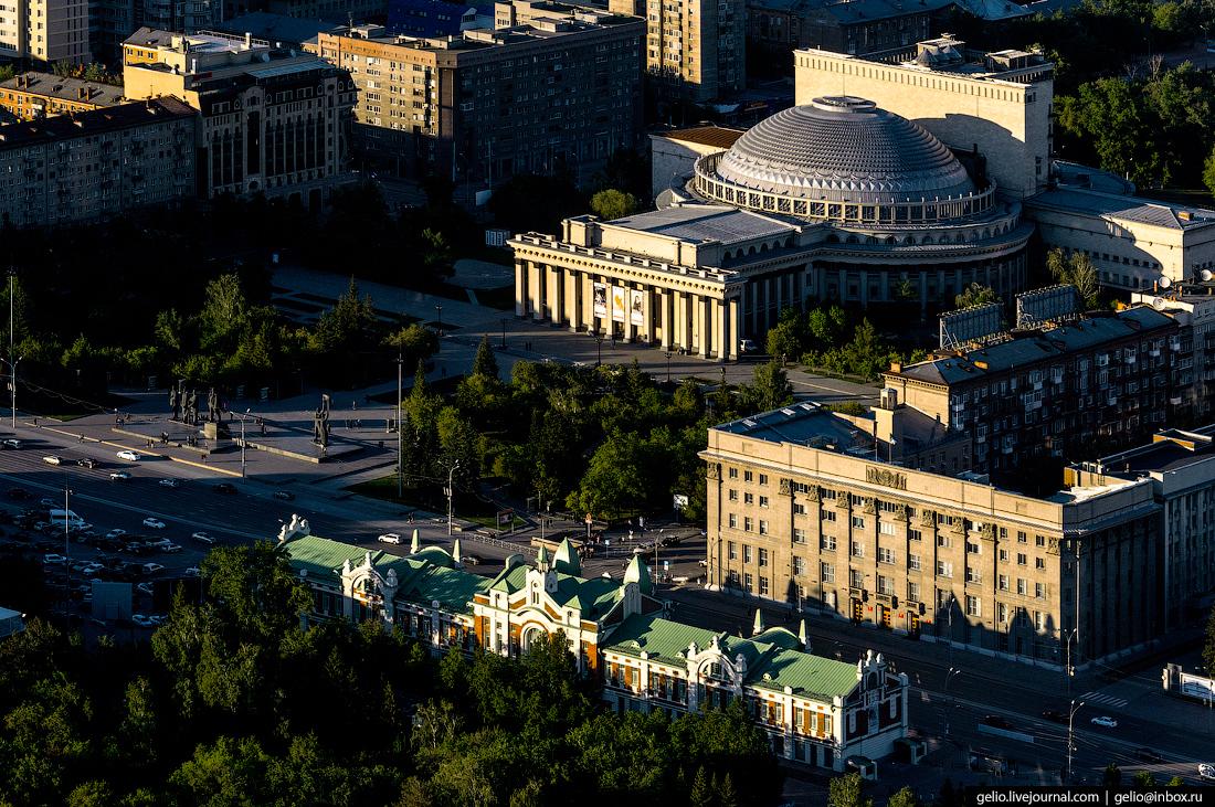 Театр оперы и балета Новосибирска