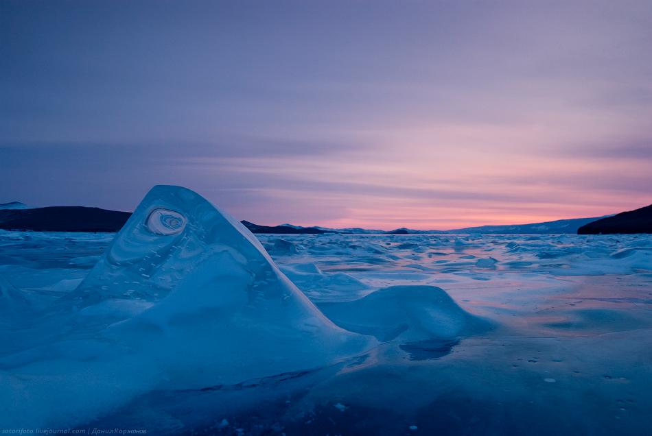 Ледяные сопки Байкала