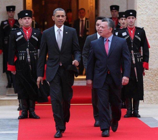 Бывший президент США, Барак Обама, король Иордании Абдалла II ибн Хусейн аль-Хашими и его черкесская гвардия