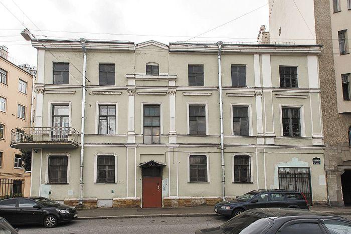 Канал Грибоедова, 156. Дом, где В.И. Икскуль содержала литературно-художественный салон