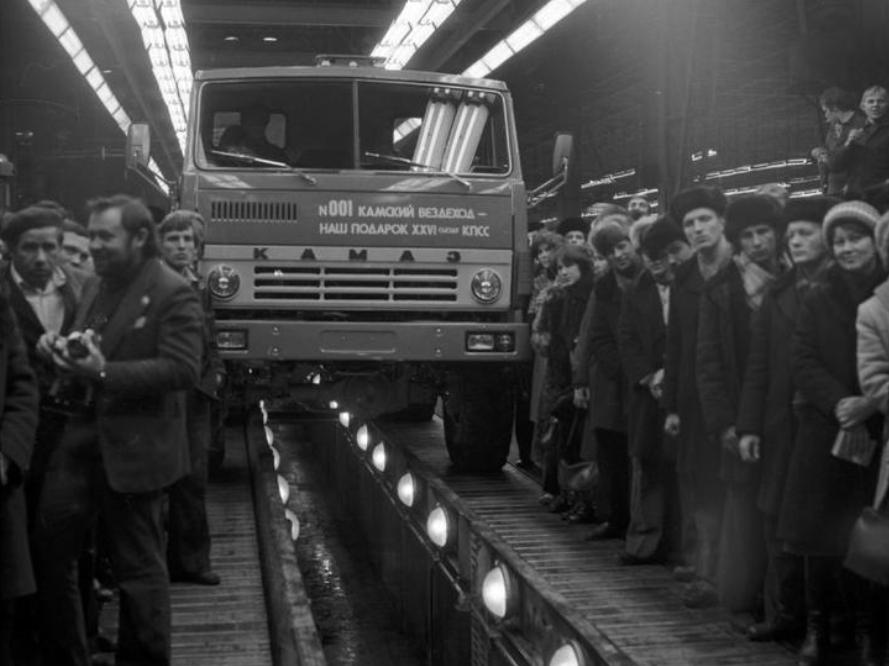 Первый КАМАЗ-5320, февраль 1976 г
