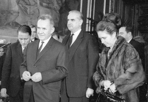 Косыгин, Джермен Гвишиани со своей женой и одновременно дочерью Косыгина – Людмилой.