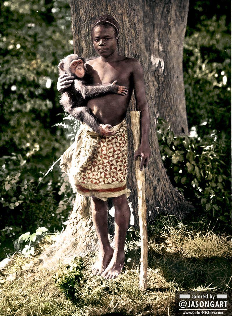 Пигмей Ота Бенга — человеческий экспонат в зоопарке Бронкса в 1906 году