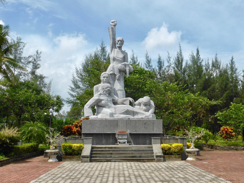 Деревня Сонгми во Вьетнаме мемориал